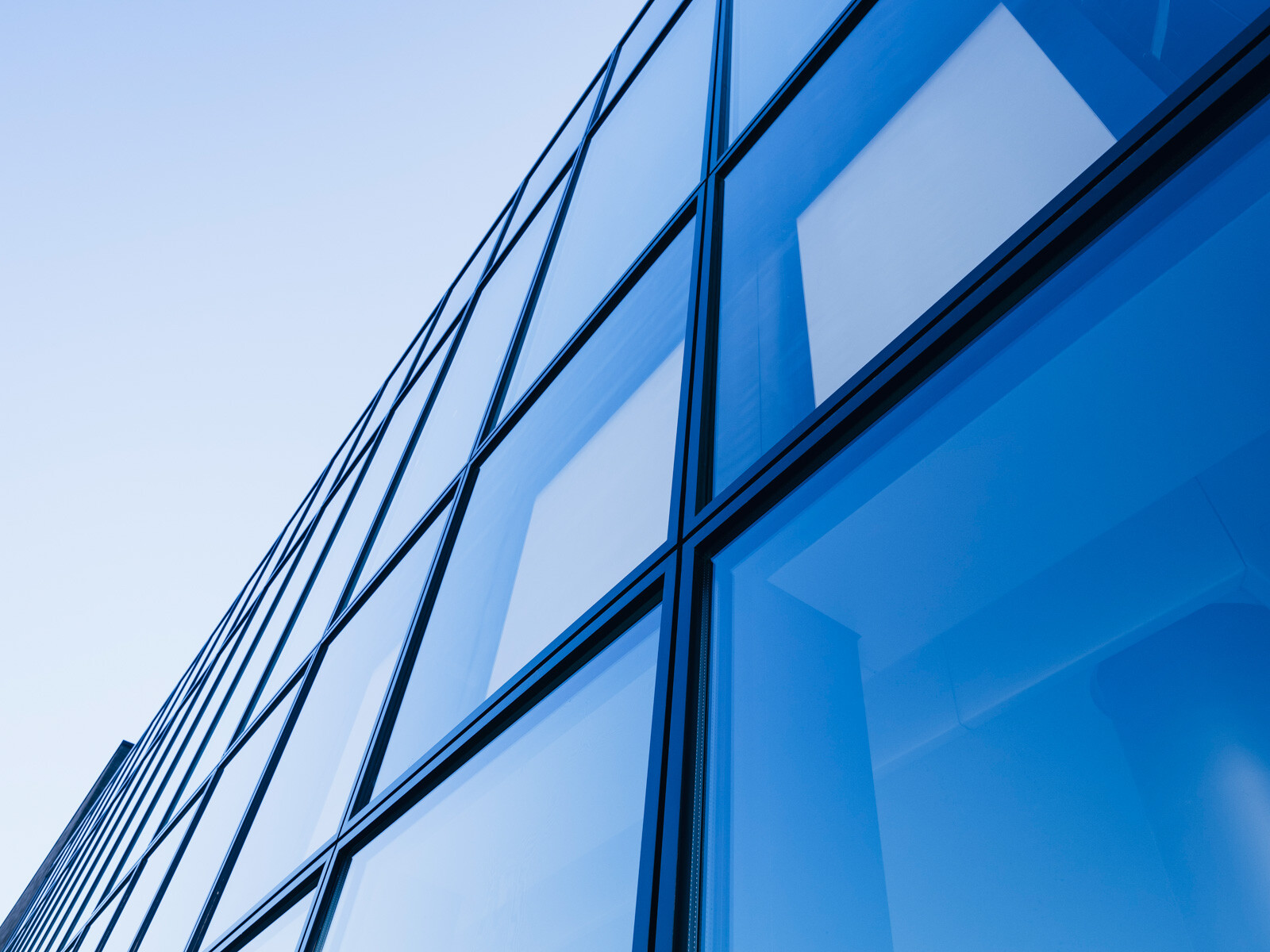 Building_Windows_Building_iStock_82806629.jpg