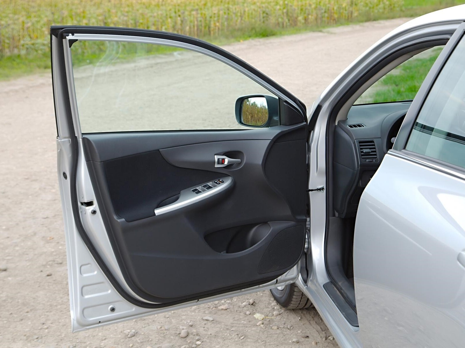 Car_Door_shutterstock_435960430.jpg