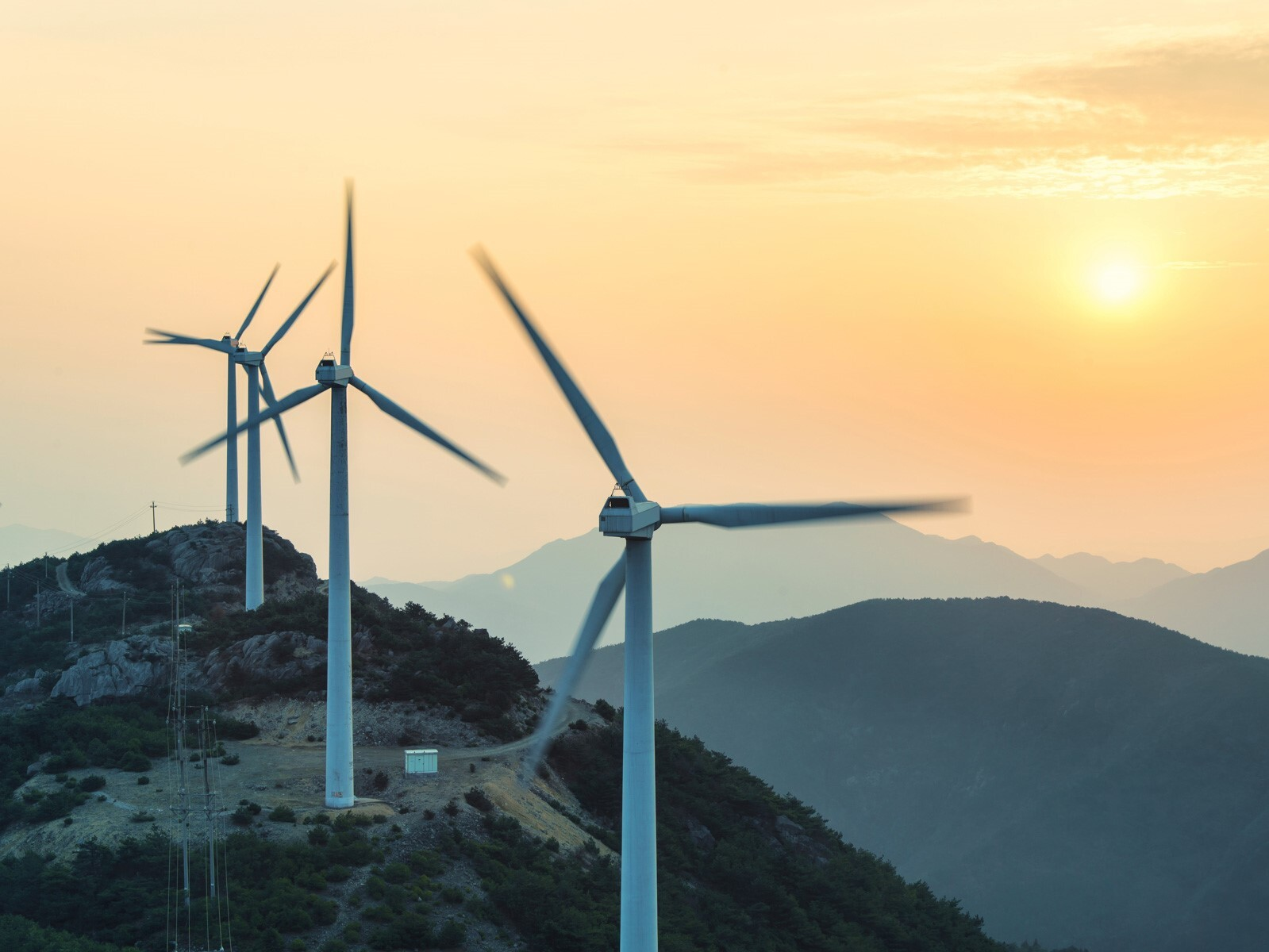 Renewable_Energy_Wind_power_iStock_60962526.jpg